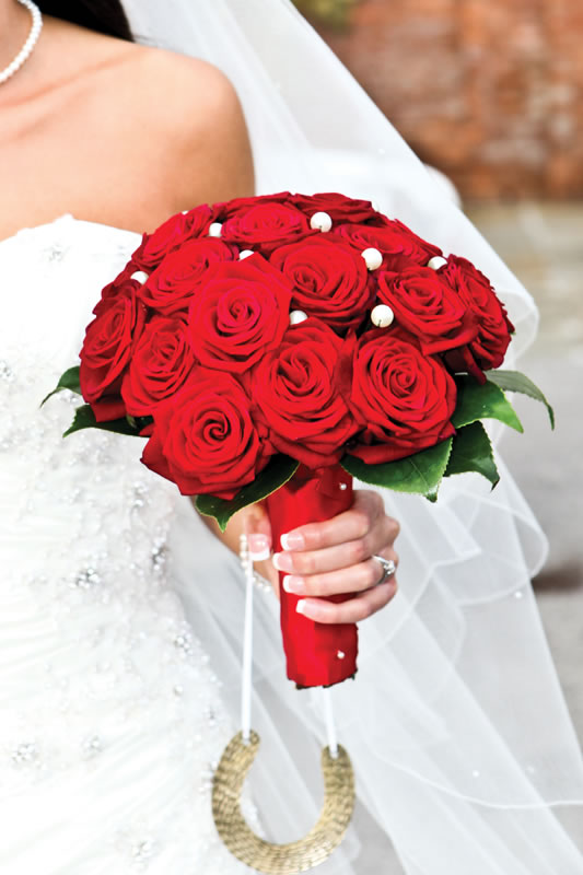 21 christmas wedding flower ideas to make you