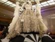 stunning-black-and-white-bridal-display
