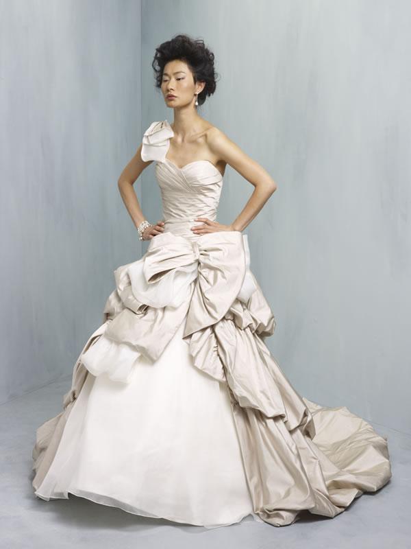 The stunning Ian Stuart Supernova wedding dress collection for 2013