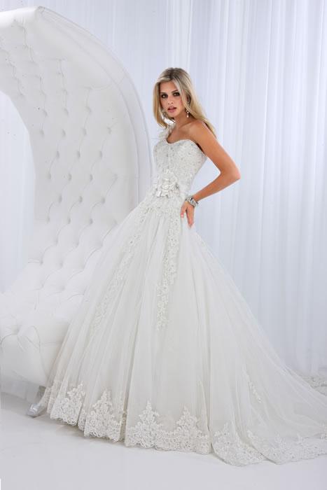 Свадебные платья пышные с кружевами 7