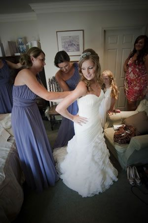 how-to-move-in-your-wedding-dress-