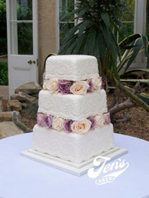 Lace-inspired cake by Jen's Cakery