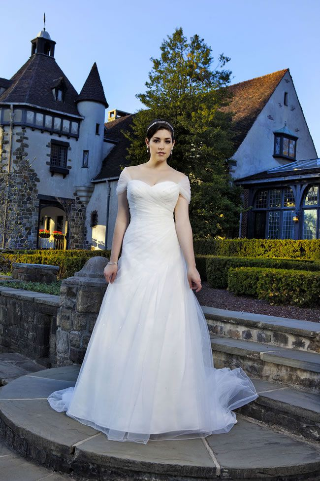 plus-size-wedding-dresses-so-much-more-choice-for-brides-sincerity-plus-4560