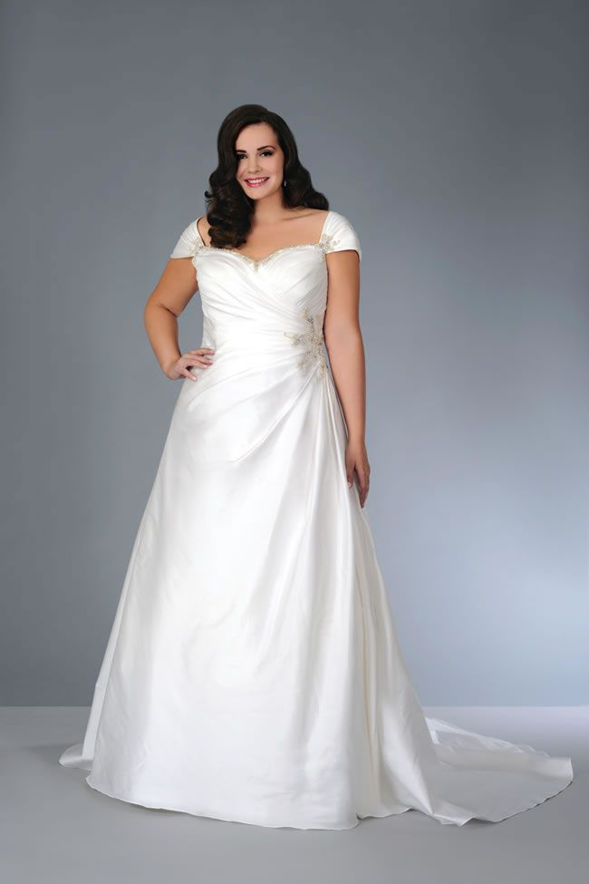 plus-size-wedding-dresses-so-much-more-choice-for-brides-sonsie-collection-by-veromia-913541