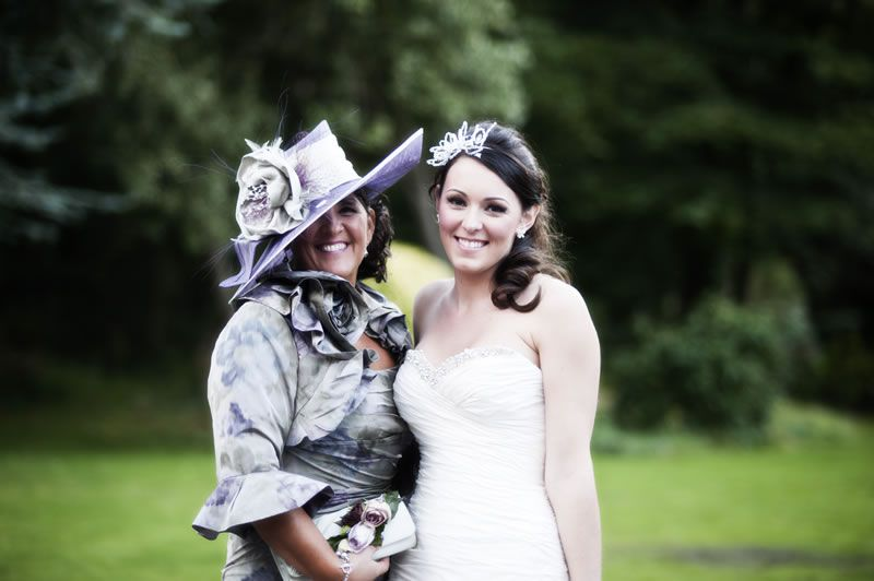Official Mother of the bride jobs © bluelightsphotography.co.uk