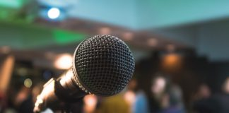 microphone wedding speech tips
