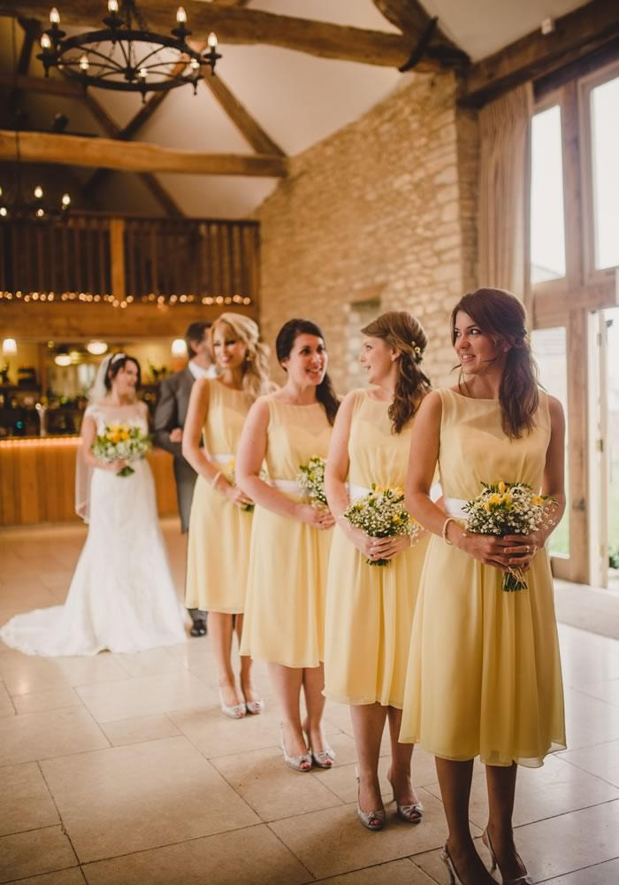 Bridesmaids Duties and Jobs During Your Wedding Day