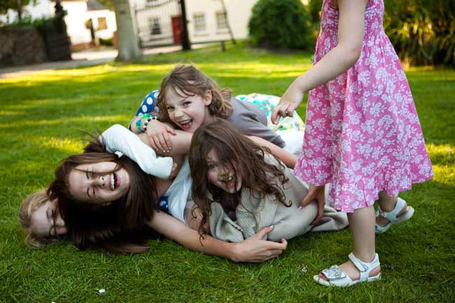children-at-weddings-10-top-tips-roll-on-floor