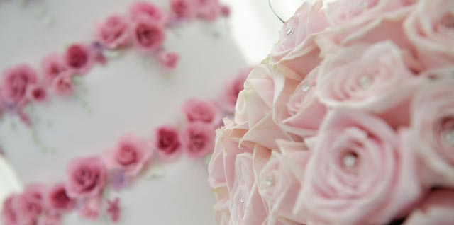 expression-photography.co.ukordering-you-wedding-cake-top-tips-and-ideas-you-should-think-about