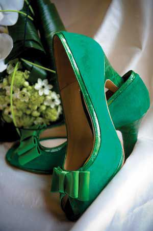 Unique-wedding-shoes-green-ashtonphotography.co.uk