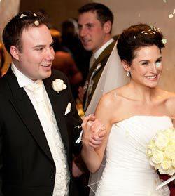 a-black-white-real-wedding-understated-true-elegance