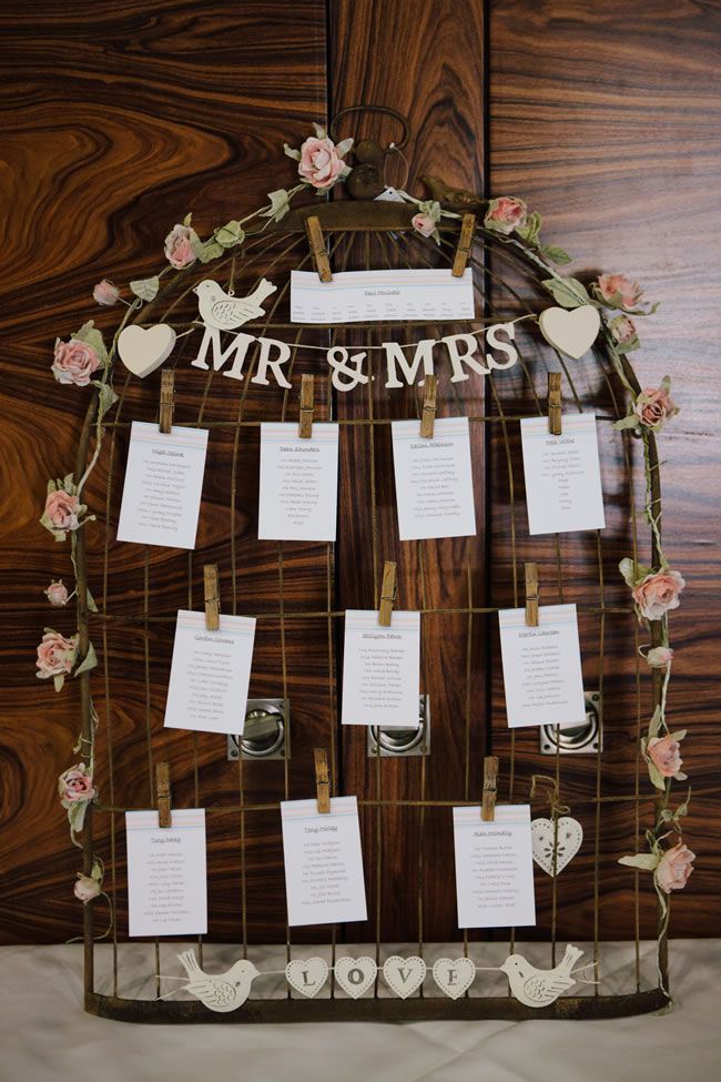 diy-wedding-stationery-ideas-that-are-perfect-for-brides-on-a-budget-marriageisthebomb.com
