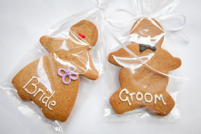 diy-wedding-stationery-ideas-that-are-perfect-for-brides-on-a-budget-victoria-kaye.co.uk