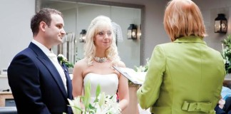 history-made-first-group-wedding-ceremony-held-uk
