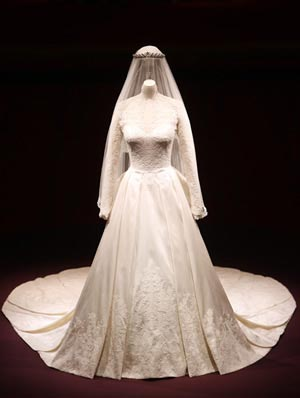 kate-middletons-wedding-dress-makes-cool-10-million