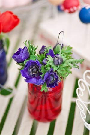 our-top-tips-wedding-flower-trends-ideas-2012-purple-flowers