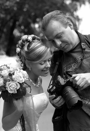 survery-suggests-that-brides-are-unhappy-with-pictures-put-on-facebook