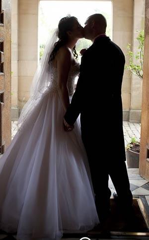 warwickshire-businesses-save-day-newlyweds