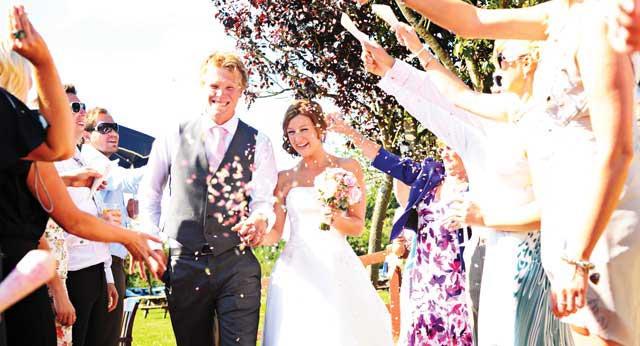 wedding-day-timings-confettibig-hartleyweddings.co.uk