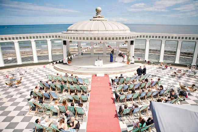 fab-vintage-seaside-wedding-theme-scarborough-ceremony