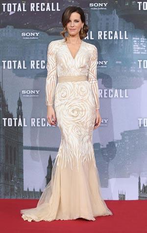 kate-beckingsale-bridal-dress