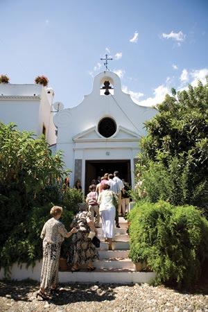 planning-a-wedding-abroad-1