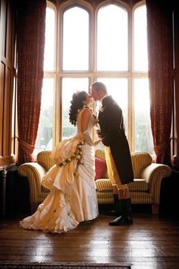 victorian-wedding-theme-dresses-details-intro