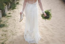 wedding-abroad-beach-wedding-bride-sand