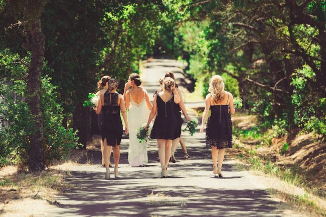 wedding-abroad-bride-bridesmaids