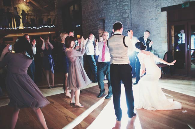 wedding-photography-list-must-have-photos-first-dance