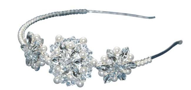 win-a-gorgeous-headpiece-by-tantrums-and-tiaras