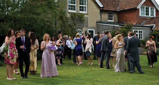 Eco-wedding-guests-