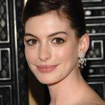 anne-hathaway-and-valentino-wedding-dress-heaven
