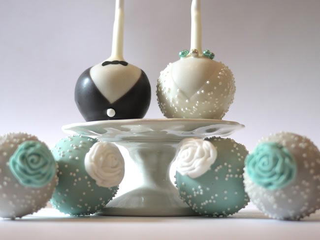 cake-pop-wedding-favours