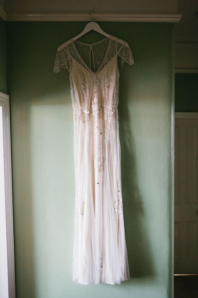 dresses-to-suit-theme-hdmphotography.co.uk    ellie-greg-colour-2