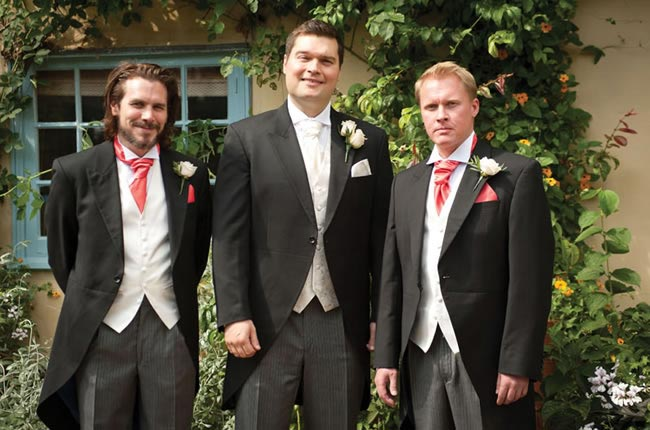 fab-peach-wedding-theme-nicola-scott-groomsmen