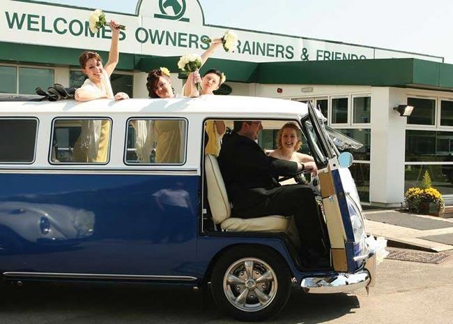 quirky-wedding-transport-andreaandrewsphotography