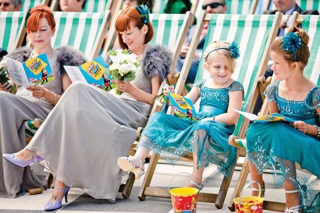 seaside-details-stripey-chairs