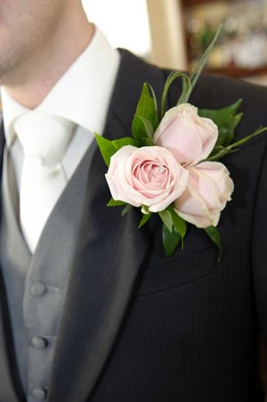 wedding-buttonholes-expression-photography