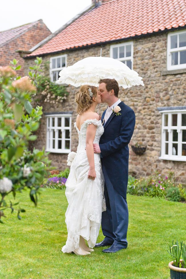 wedding-wellies-10-tips-to-beat-the-rain-shoot-lifestyle.co.uk