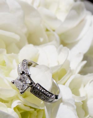 Christmas-wedding-proposals-inspirephotos