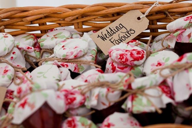 edible-wedding-favours