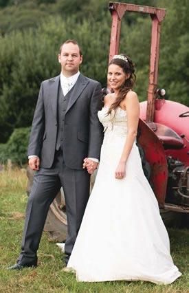 esme-mike-real-wedding
