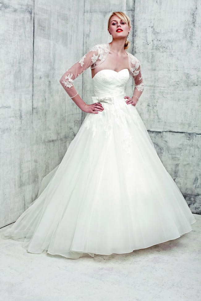Style 2354 by Benjamin Roberts