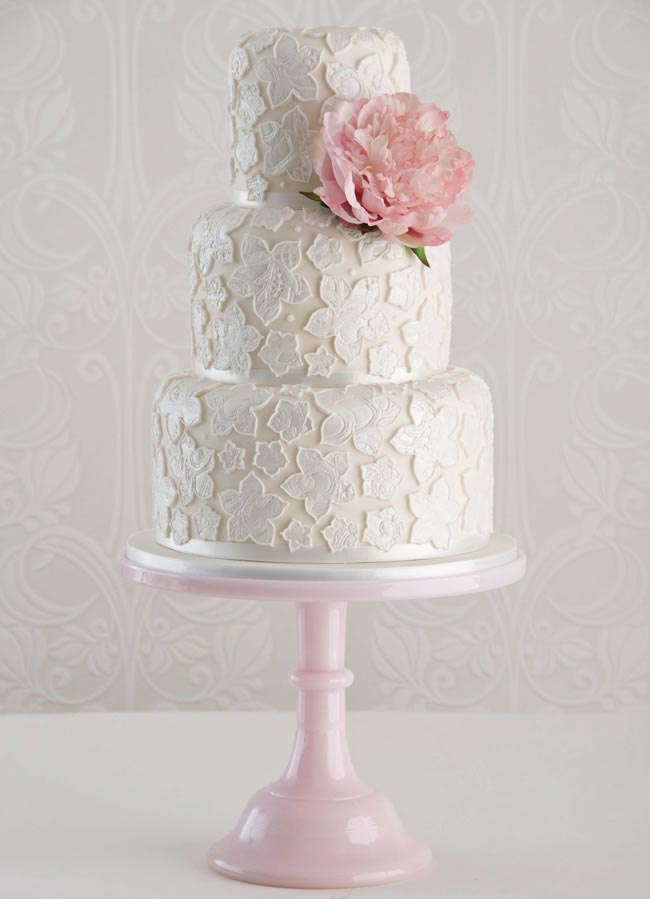 MAISIE-FANTAISIE-lace-applique-cake