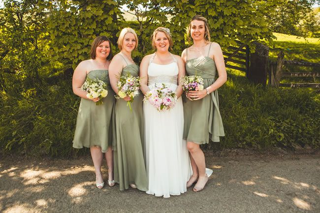 Bridesmaids green dresses - How to Choose the Right Dresses for Your Bridesmaids