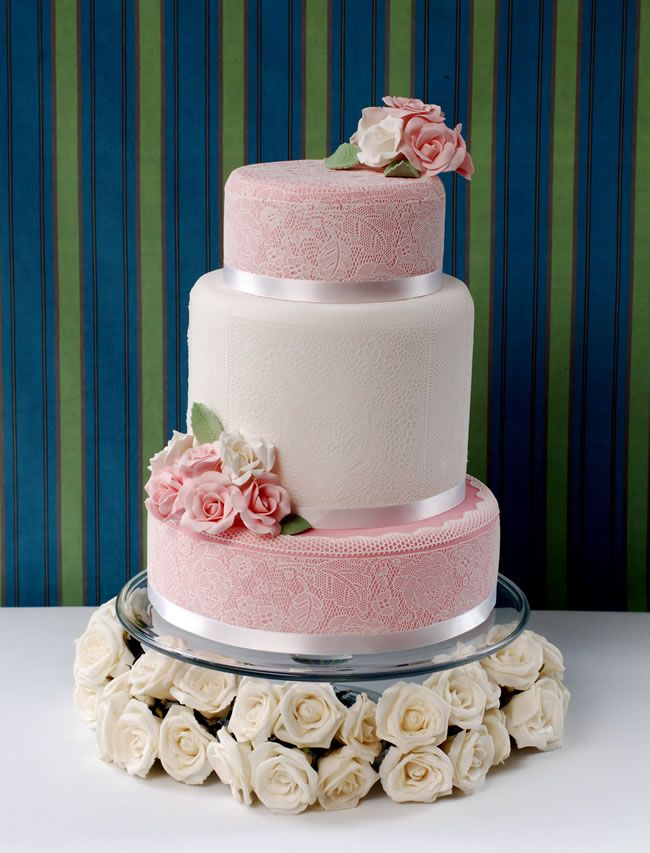 National-wedding-show-cake