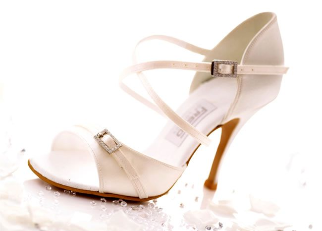 wedding-shoe-competition