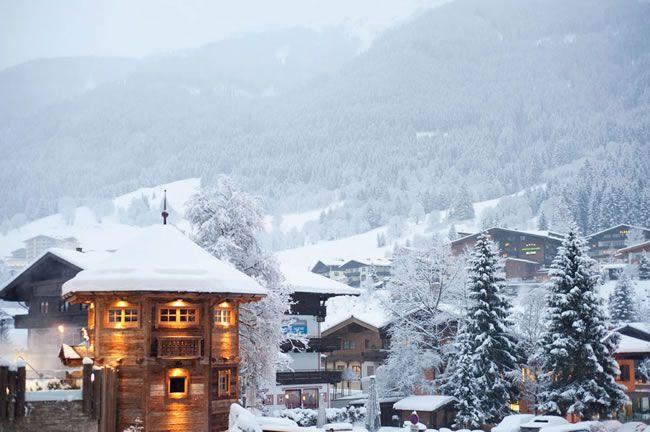 winter-wedding-abroad-