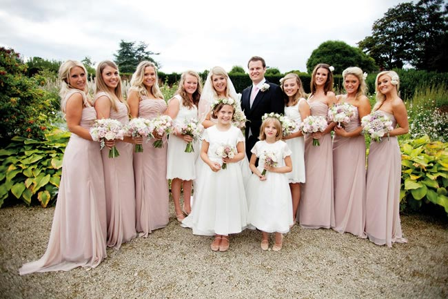 Complete Your Country-garden Wedding Look With The Wedding